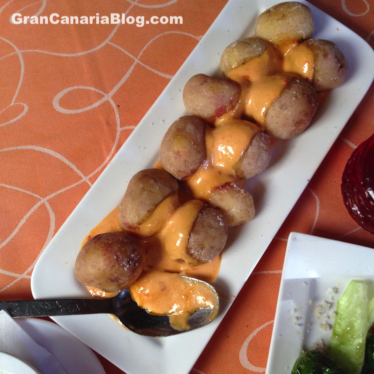 Restaurante Acaymo Mogan Gran Canaria - papas con mojo