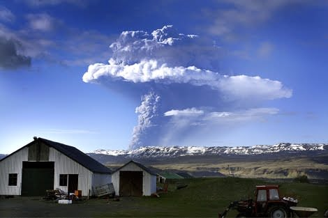 Grimsvotn Volcanic Eruption Iceland 2011